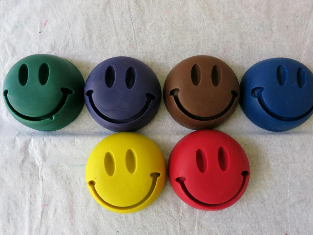 Large Happy Face Crayon Set of 16