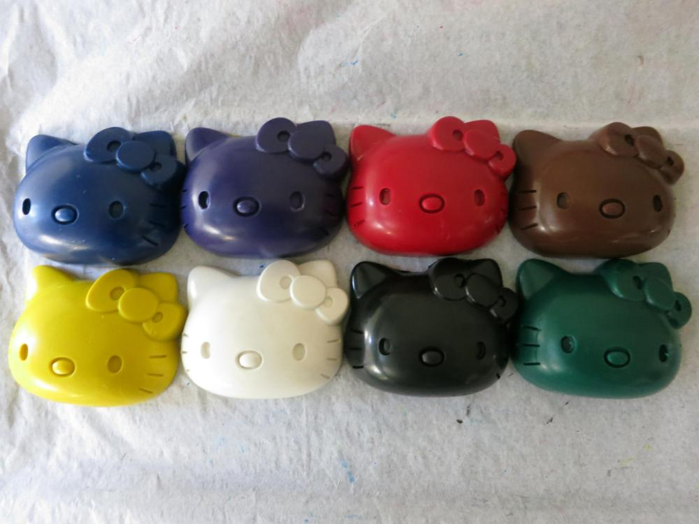 Large Hello Kitty Crayon Set of 8